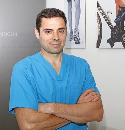 Podólogo especialista en biomecánica deportiva y fabricación de plantillas ortopodológicas