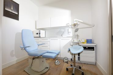 Podología clínica en Donostia - San Sebastián, curamos tus juanentes, verrugas, callos...